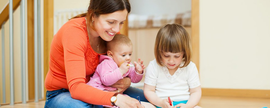 والدین خانهدار: بررسی کلی